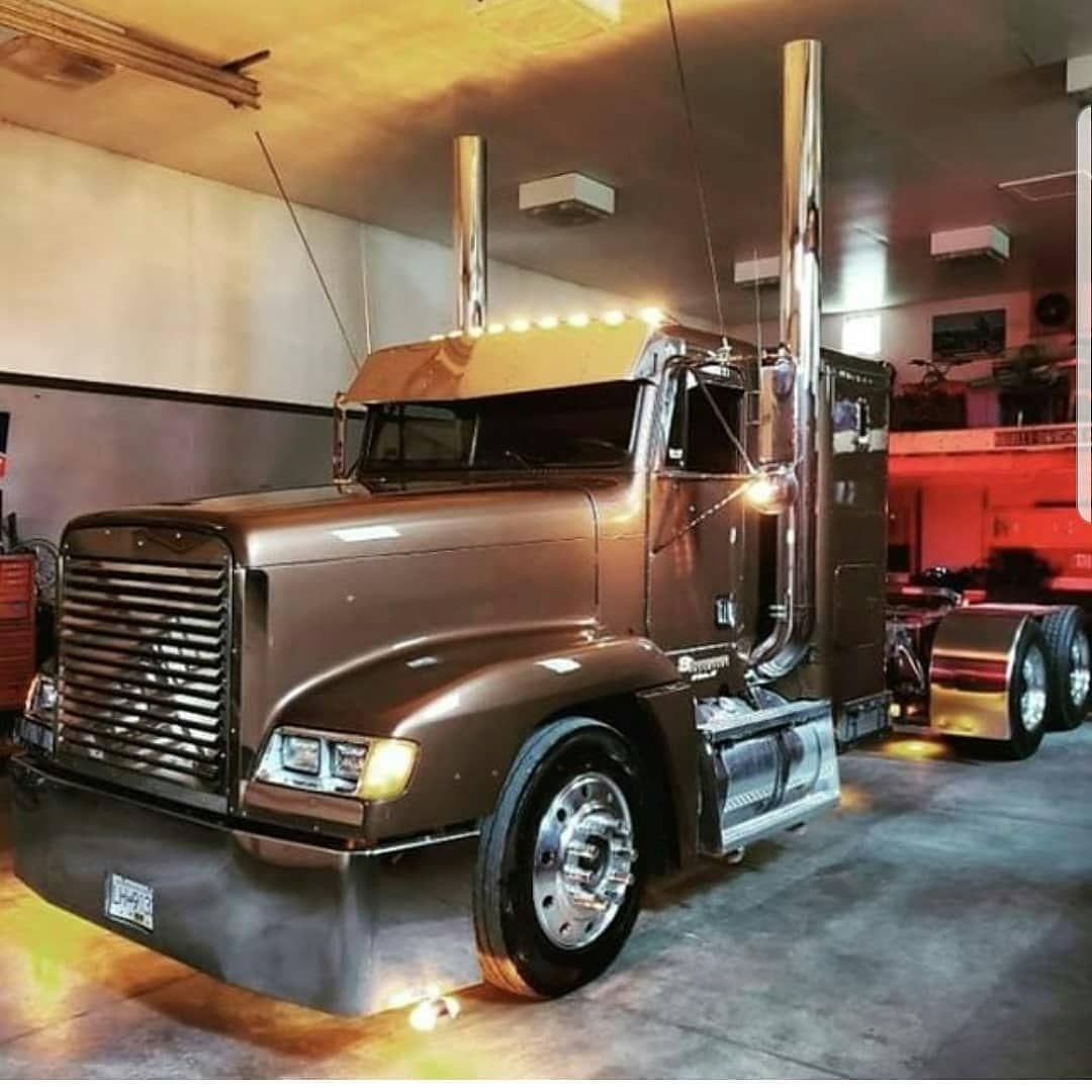 Truckerworldzone On Instagram Truckdriverslife Truckdrivermoney Truckdriverswife Truckdrivermouth Truckd Freightliner Trucks Freightliner Custom Big Rigs