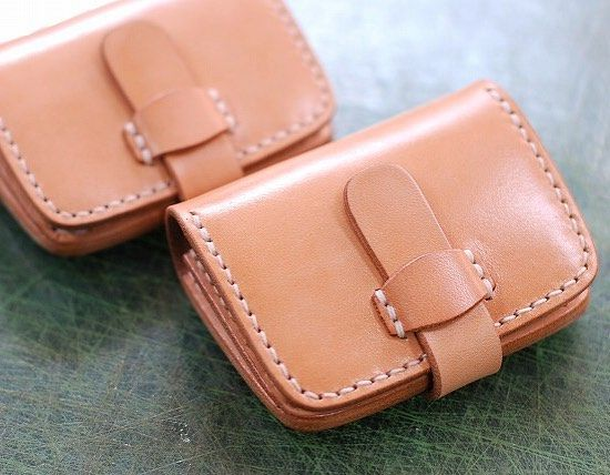 coin case  #leather #leathercraft #leathergoods #leatherwork #leatherwallet #coin case #handcrafted #handmade #handcut  #handsewn #bespoke #handstitched #handmadeleather #handmadeleathergoods #fashion #casual #madeinjapan  #レザー #レザークラフト #コインケース  #ハンドメイド #革 #革財布 #革細工  #革小物 #手作り #手縫い  #栃木 #小山市 #カヤンタ by kayenta164 #tailrs