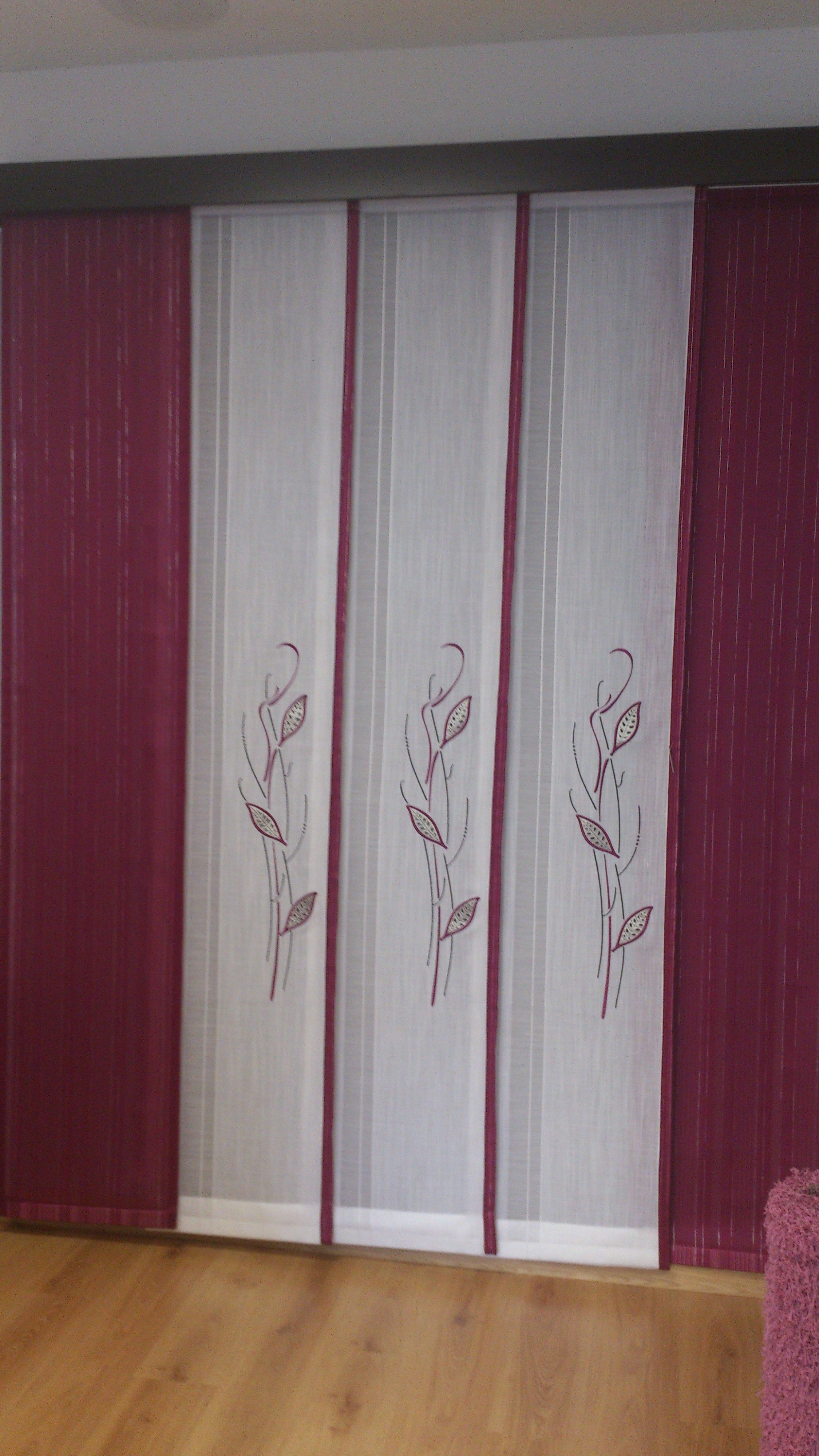 paneles japoneses con todos berenjena