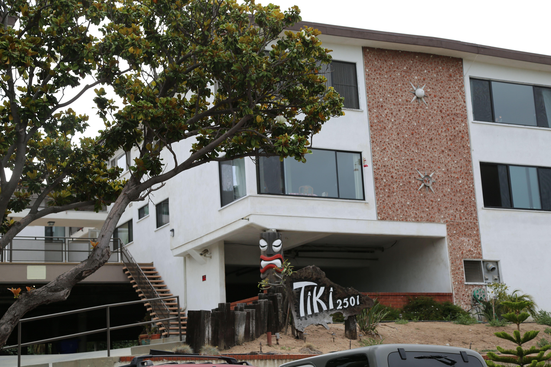 Tiki Apartments 2501 Beverley Santa Monica House Styles Tiki House