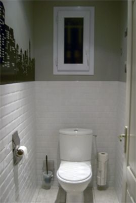 Wc carrelage m tro blanc wc pinterest carrelage metro blanc toilette et carrelage for Idee decoration toilettes