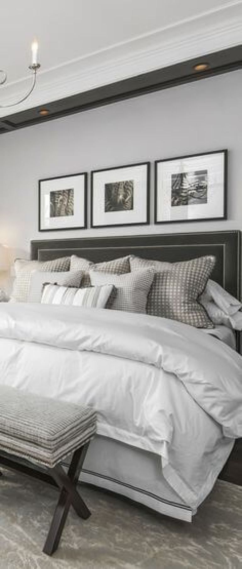 Small Master Bedroom Ideas With King Size Bed 19 Classic Master Bedroom Minimal Decor Harptimes Luxurious Bedrooms Small Master Bedroom Gorgeous Bedrooms