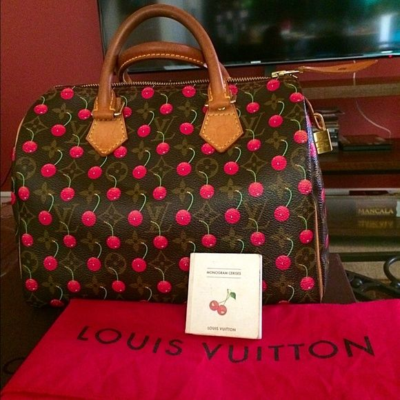 d6883dfa3119 Louis Vuitton Murakami cerises cherry speedy 25 Authentic limited edition  Takashi Murakami cerises cherry speedy 25