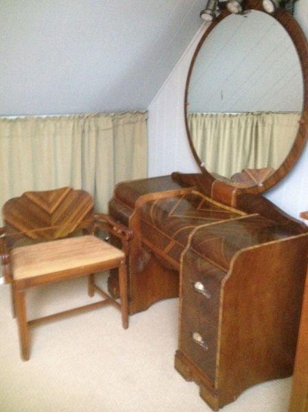 Late 1920's Art Deco Vintage Vanity with Chair & Mirror. - WATERFALL STYLE FURNITURE Waterfall Bedroom Set 1930-40
