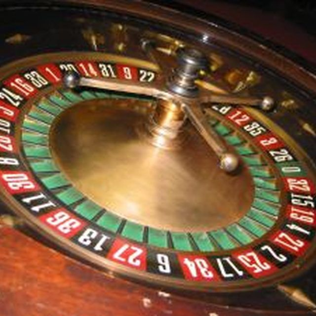 How To Build A Roulette Table Roulette Table Roulette Video Games For Kids