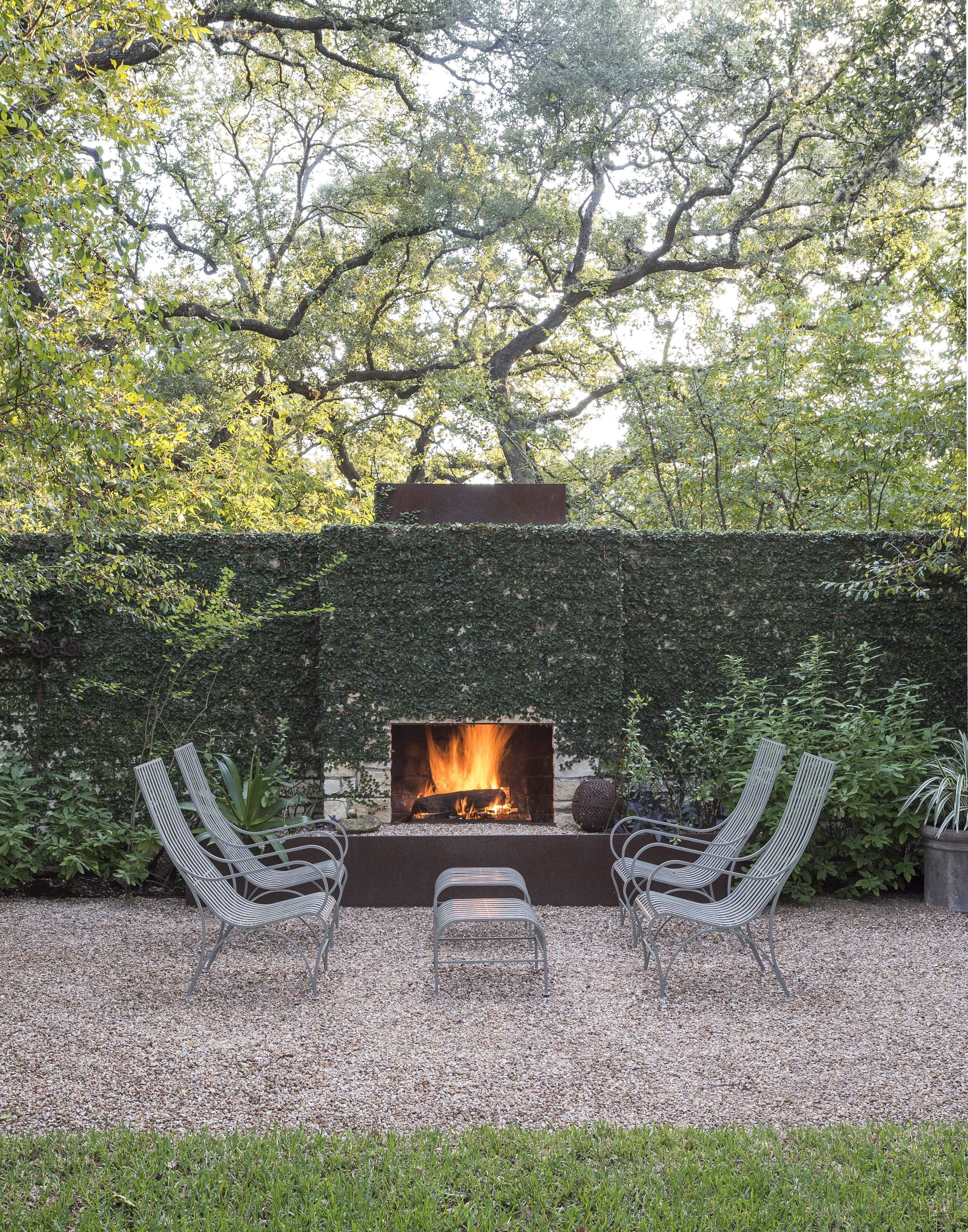 historic layered with mid-century modern (landscape design