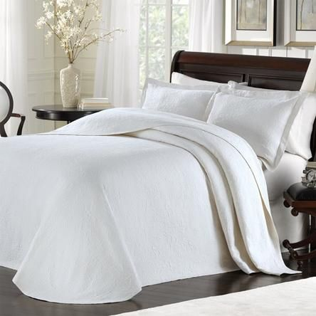 Lamont Home Lbbd08350 Majestic Queen Bedspread White