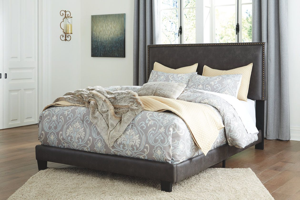 Dolante Queen Upholstered Bed (With images) Queen