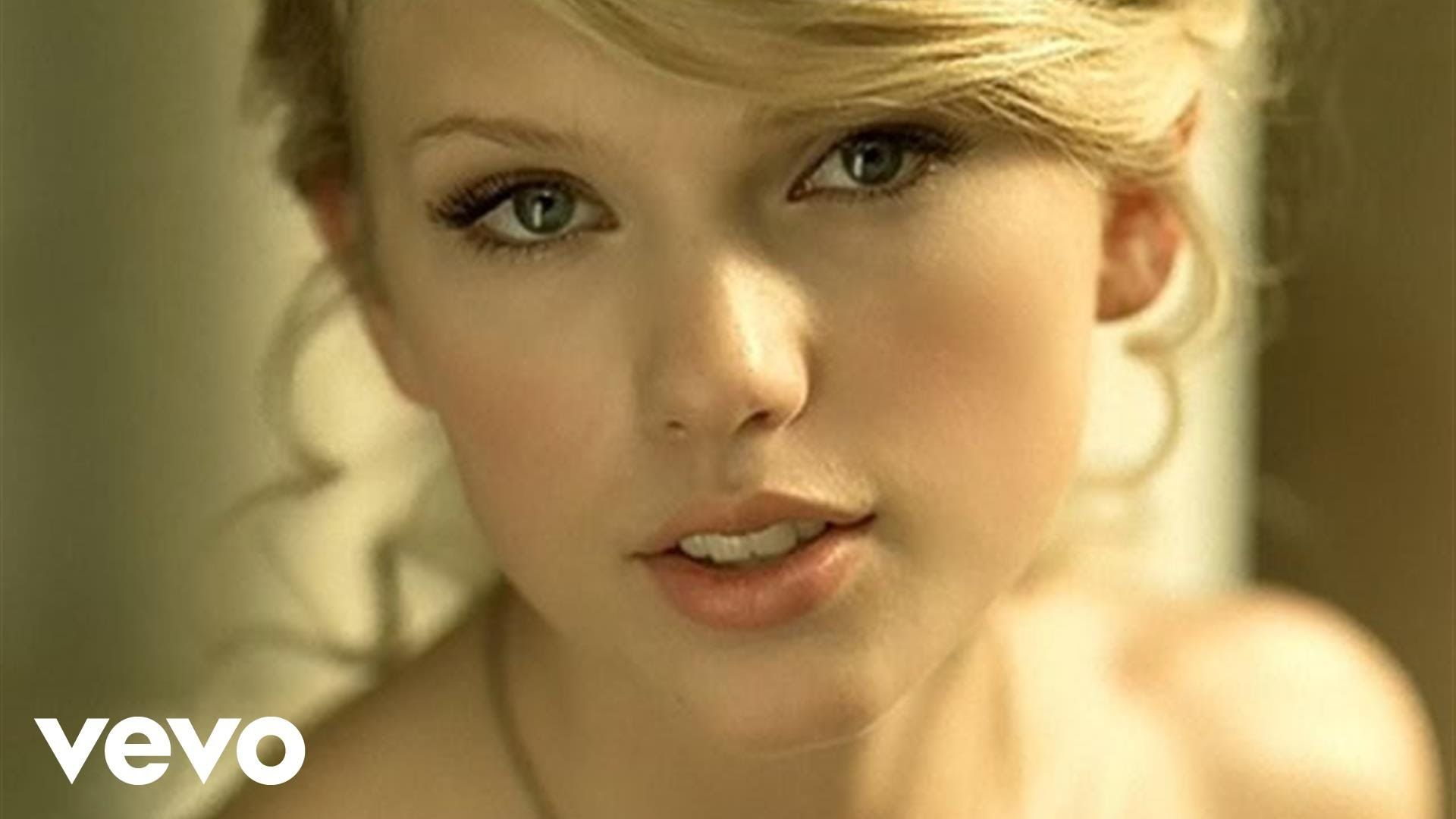 Taylor swift love story album fearless released 2008 for Academy of country music award for video of the year