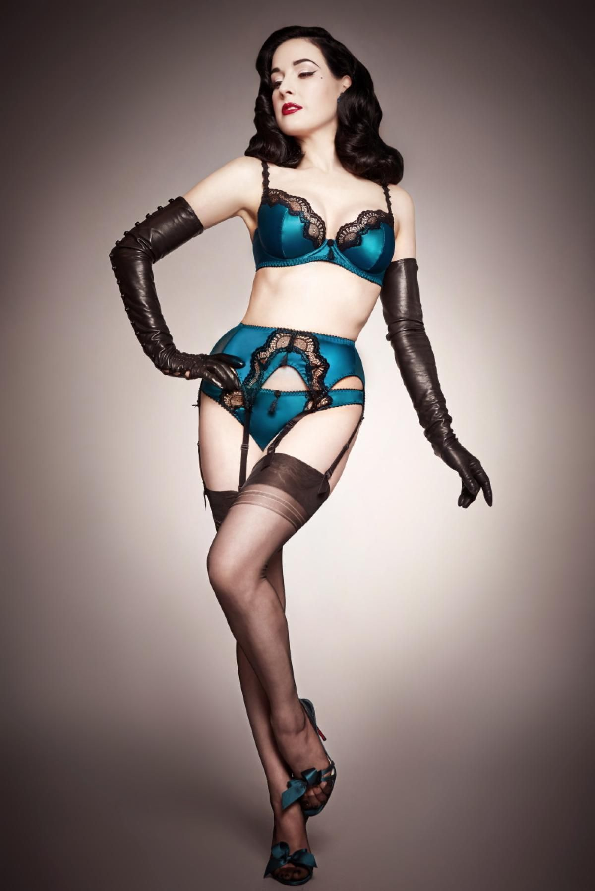 b72009d0da4a After working for several years at a lingerie store and building a large  library of vintage lingerie, burlersque dancer Dita Von Teese was inspired  to ...