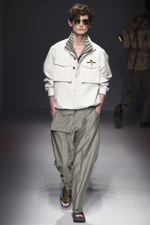 8f79668b94e0 Salvatore Ferragamo Spring 2017 Menswear Collection Photos - Vogue