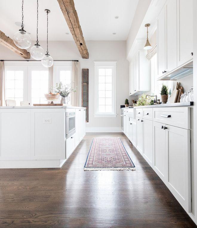 Farmhouse Kitchen With White Cabinets: White Shaker Style Kitchen Cabinet Farmhouse Kitchen White