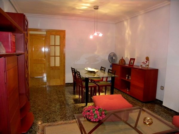 CARACTERISTICAS Superf. 100 m², 4 habitaciones ( 1 suite, 2 dobles ...