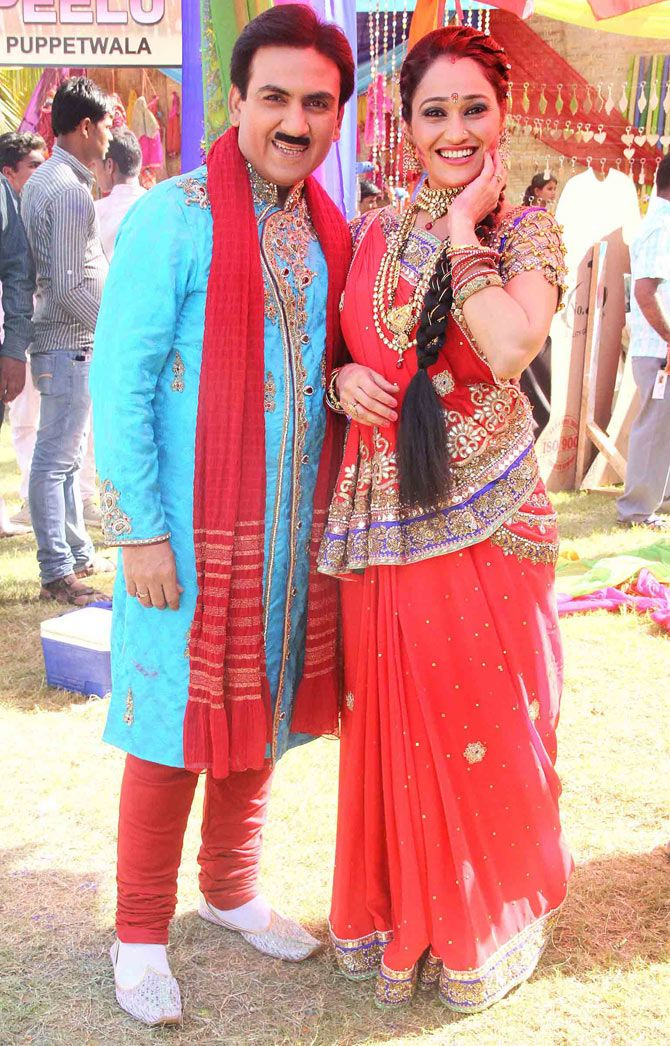 Jethalal Ka Photo : jethalal, photo, Dilip, Joshi, Disha, Vakani, Jethalal, 'Taarak, Mehta, Ooltah, Chashmah', Flannel, Fashion,, Bollywood, Photos,, Beautiful, Actress