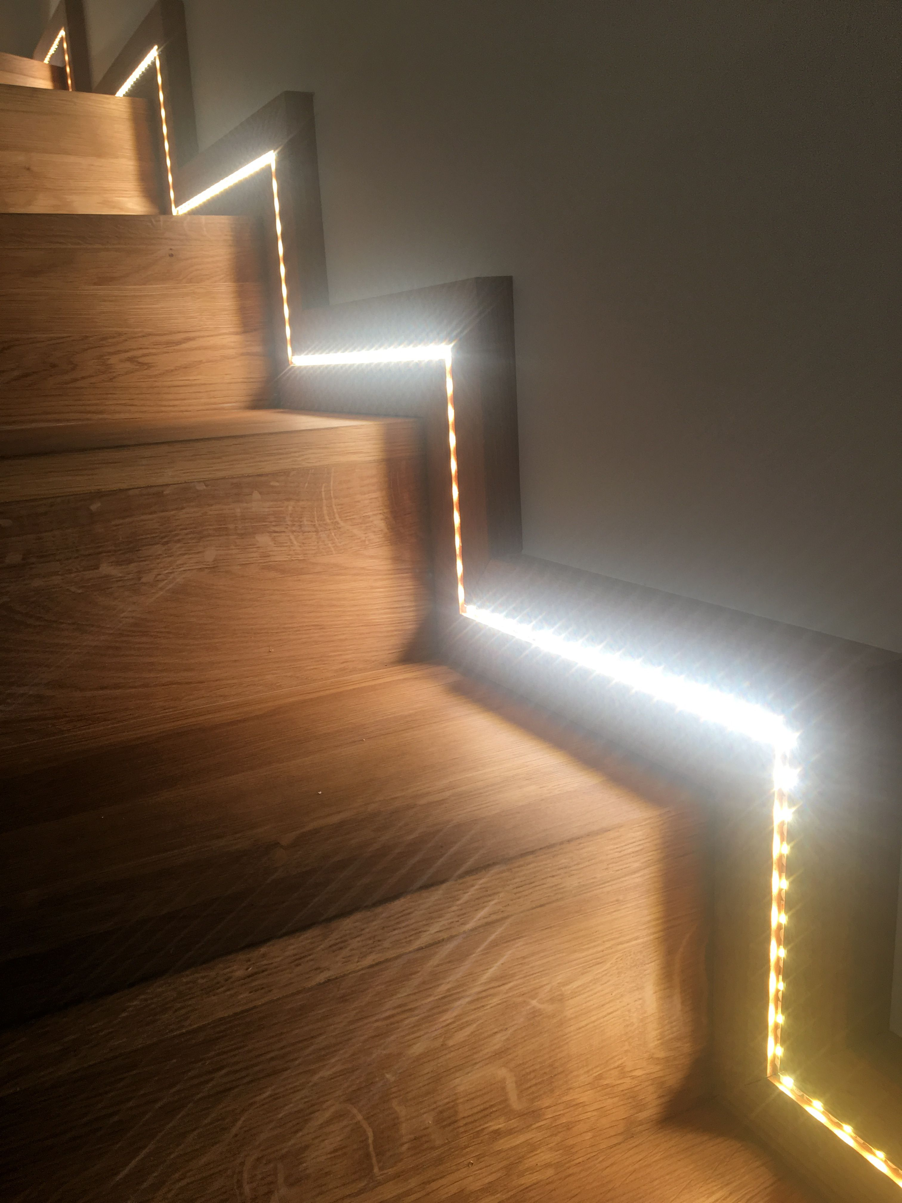 Ruban Eclairage Led Eclairage D Un Escalier Avec Ruban Led House Ideas In 2019 Led