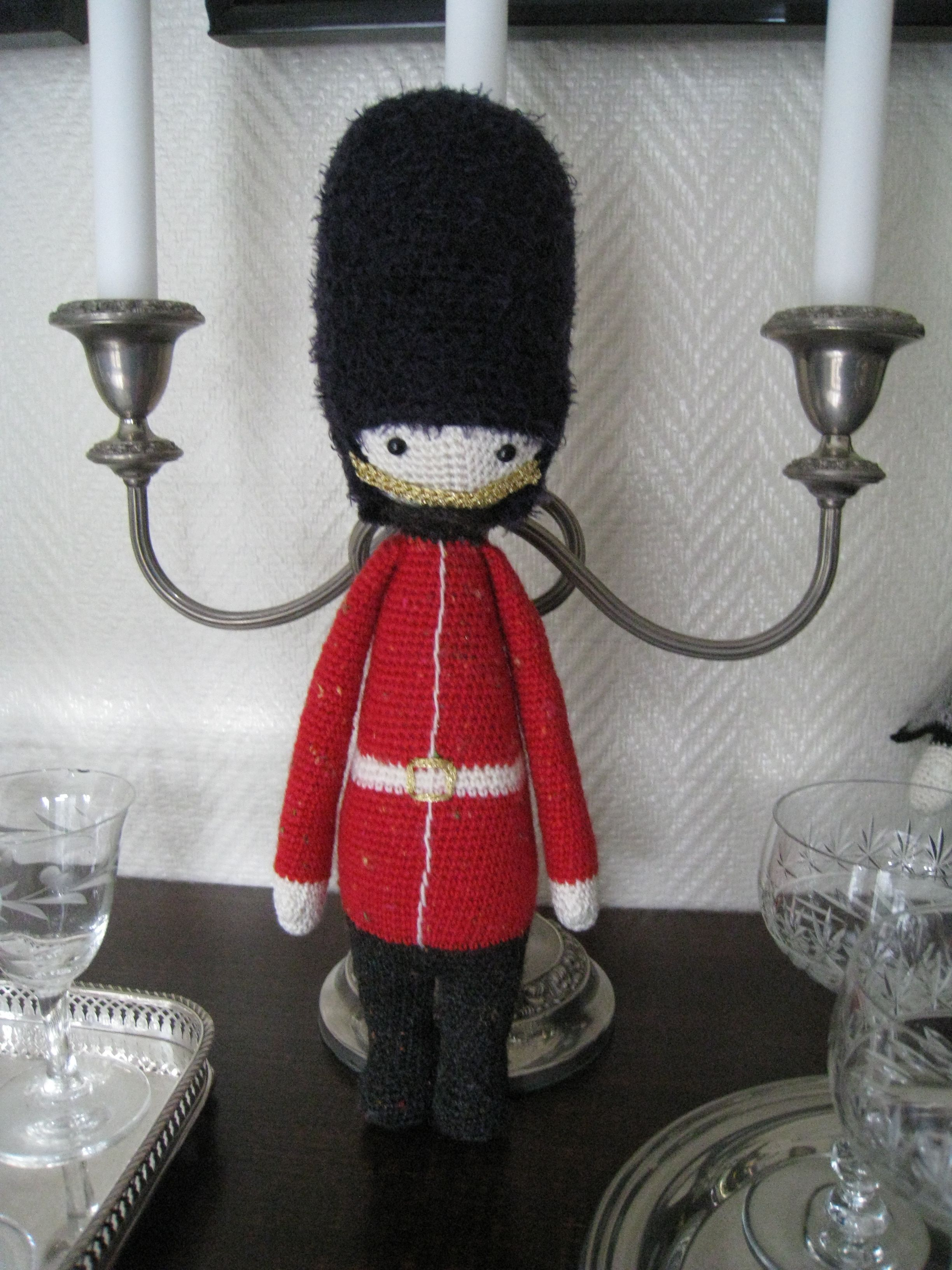 Life guard of the Queen made by Karin n. / crochet pattern by lalylala