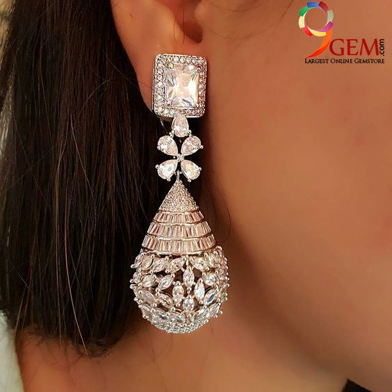 Style Your Best Traditional Attire With Luxurious Diamond Earrings