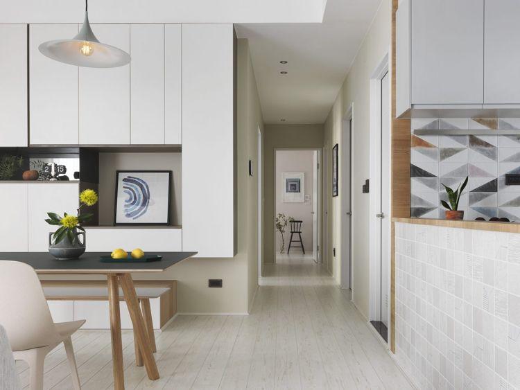 Weisses Laminat Graue Schattierungen Wohnzimmer Offene Küche #bodenbeläge  #fliesen #gray #apartment #Taiwan