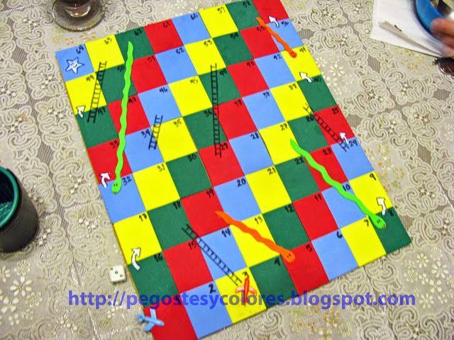 Pegostes y colores juego de serpientes y escaleras con for Escaleras y serpientes imprimir
