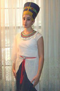 Nefertiti Costume With Headdress How To Make A Nefertiti Costume Halloween Nefertiti Costume Queen Nefertiti Costume Halloween Costumes To Make