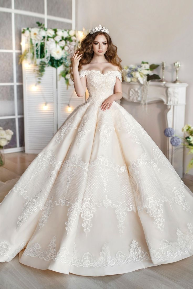 The perfect wedding dresses catalogue seeking the modern wedding