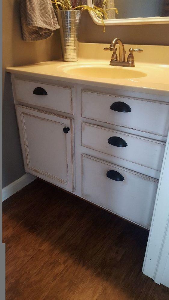 Builder Grade Honey Oak Cabinets Transformed! Th .. #honeyoakcabinets Builder Grade Honey Oak Cabinets Transformed! Th .. #honeyoakcabinets