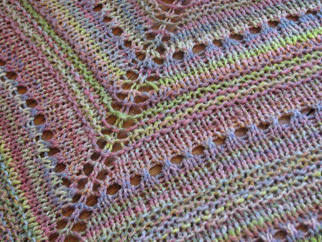 LaLa\'s Simple Shawl free pattern | Handavinna | Pinterest | Chal, En ...