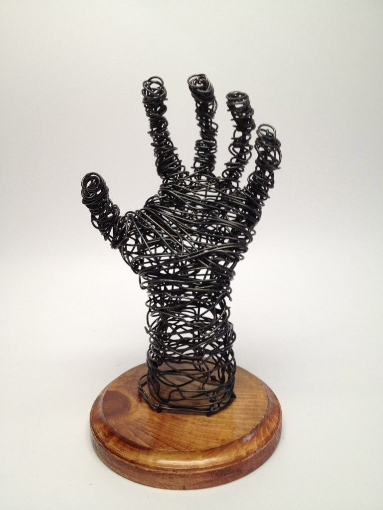 Sculptures of hands wire sculpture hand frank marino for 3d wire art