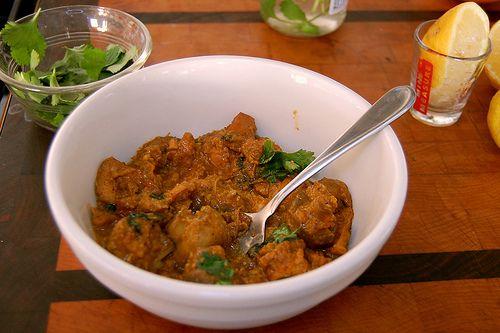 Chicken in cashew nut sauce