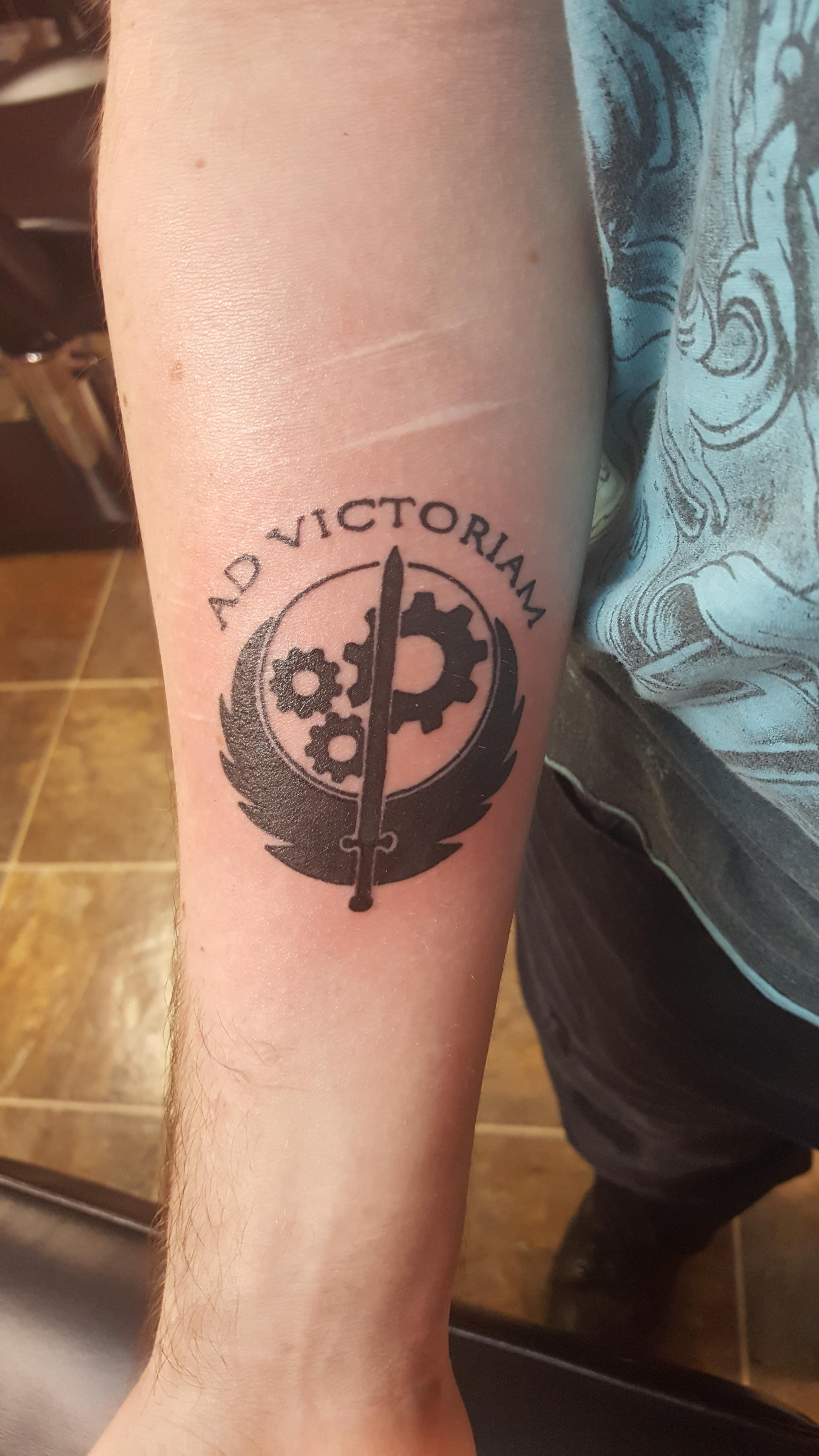 Decided to get a Fallout tattoo representing my favorite ...