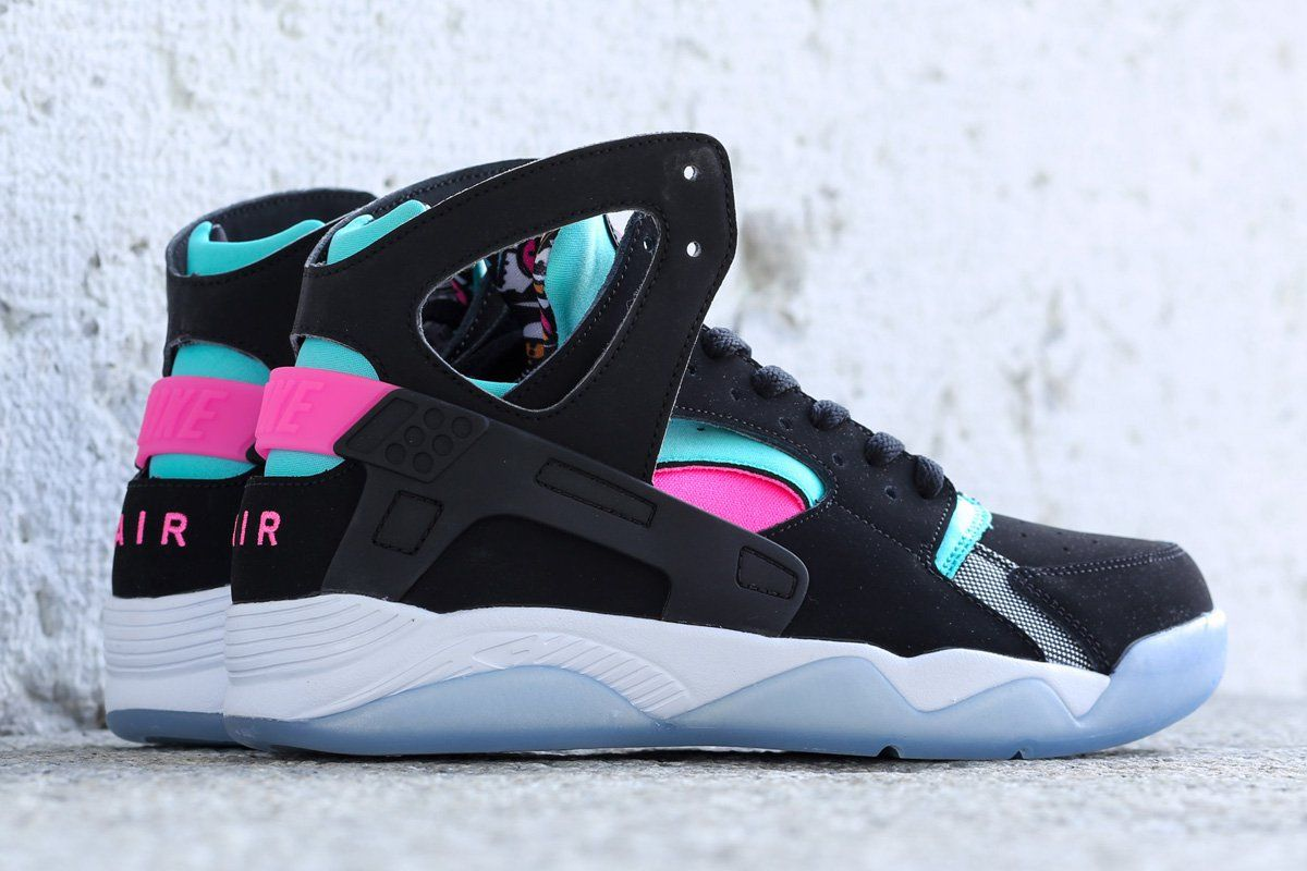 Nike Air Vol Huarache Noir / Rose Pow / Blanc / Retroarch Footlocker jeu Finishline excellent dérivatif 100% garanti CrVcWuM6w
