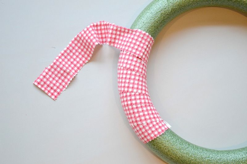 Photo of Valentine's Day Curled Grosgrain Ribbon Wreath – Wrap your foam wreath in fabric