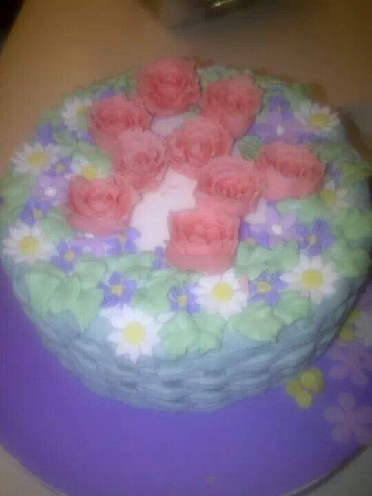 Torta con flores hecha por Mariana's Cake. https://m.facebook.com/marianas.cake.7