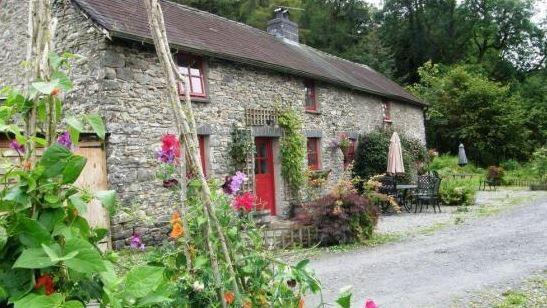 lanlas farm cottages cellan lampeter ceredigion sleeps 1 5 self rh pinterest com