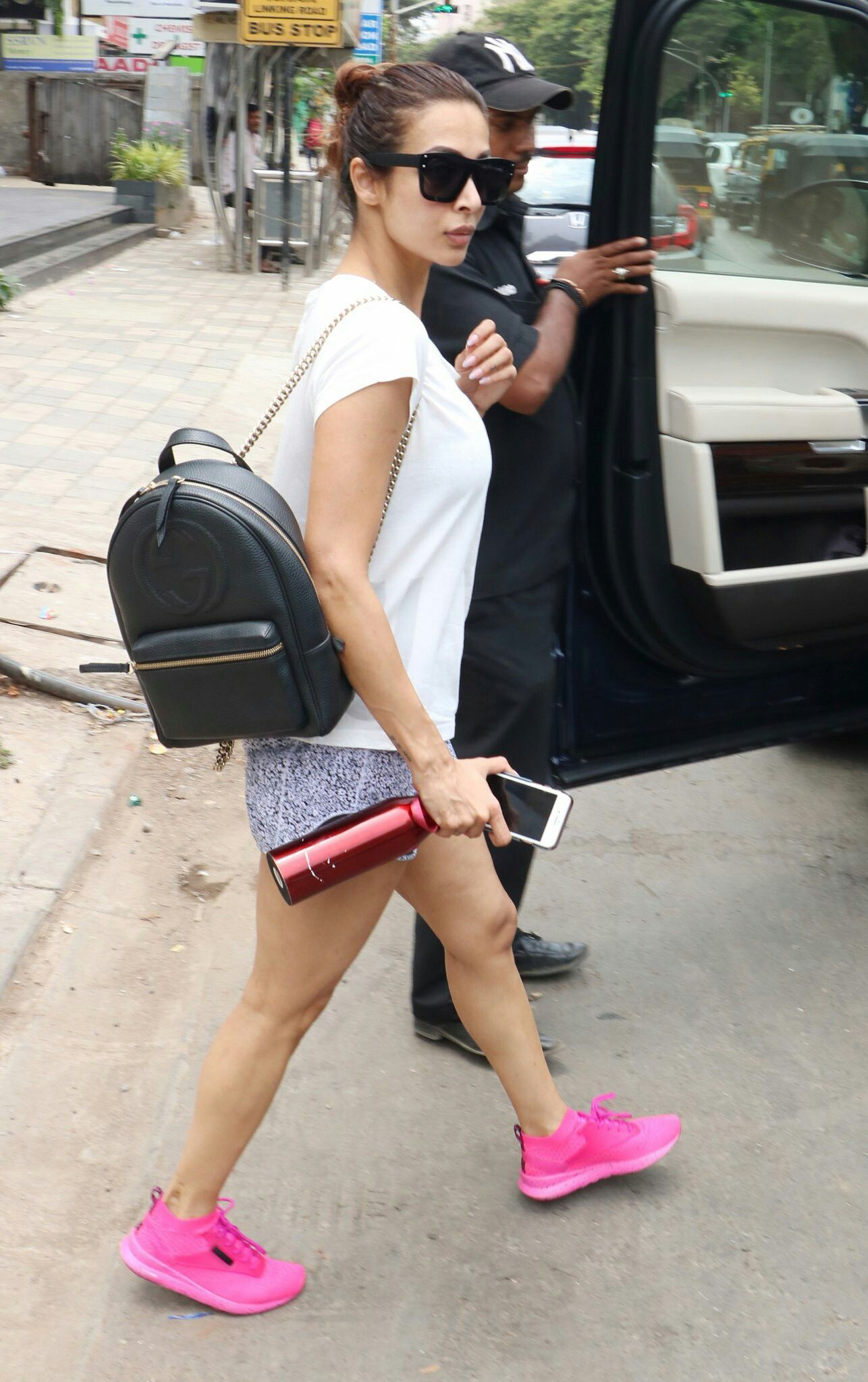 Pin By Manoj On Malaikaaa1 Clothes For Women Celebrity Look Fashion