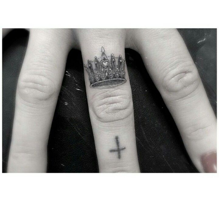 Crown of loyalty crown finger tattoo ink tattoo finger