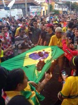 SEMANARIO BALUN CANAN: Tensión y pánico en Copacabana por el 7-1 que reci...