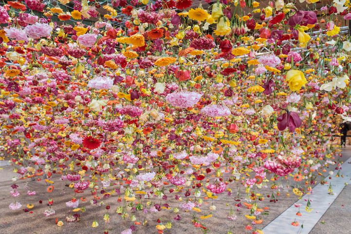 Artist Rebecca Louise Lawu0027s Hanging Installation Of 30,000 Flowers |  Artist, Flower Art And Art Installation