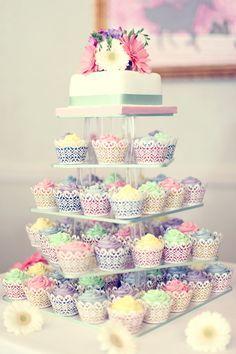 Colorful wedding cupcakes #cupcakes #weddingcupcakes #weddingcake #pastelwedding #weddingdessert