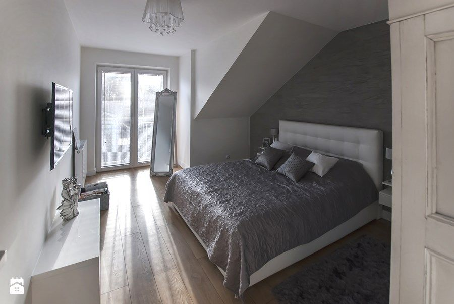 Sypialnia Na Poddaszu Z Balkonem