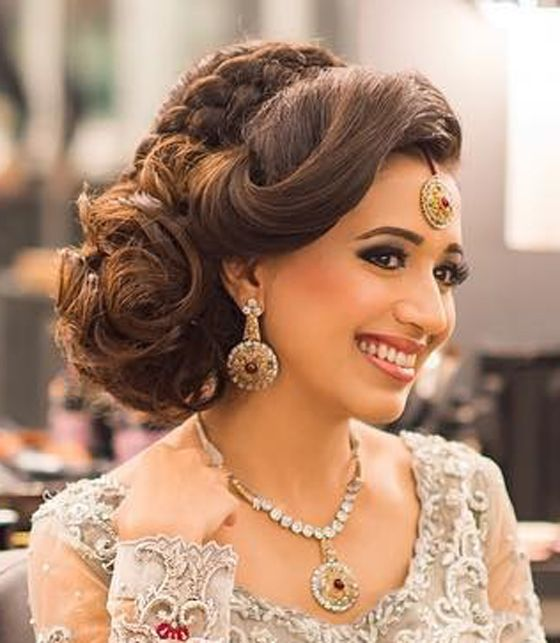 40 Indian Bridal Hairstyles Perfect For Your Wedding Side Bun Hairstyles Indian Wedding Hairstyles Hair Styles