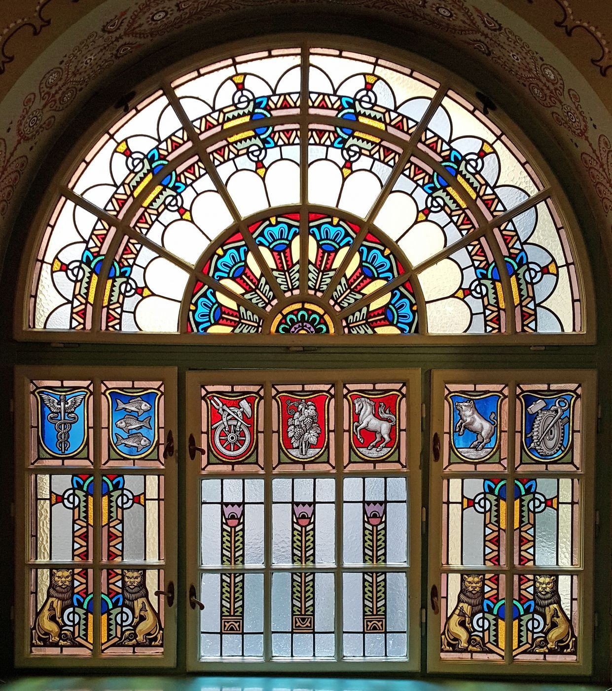 Pin By Tamara K On Secession Subotica Szabadka Belgrade Serbia Sarajevo Bosnia Beautiful Buildings Vojvodina Stained Glass
