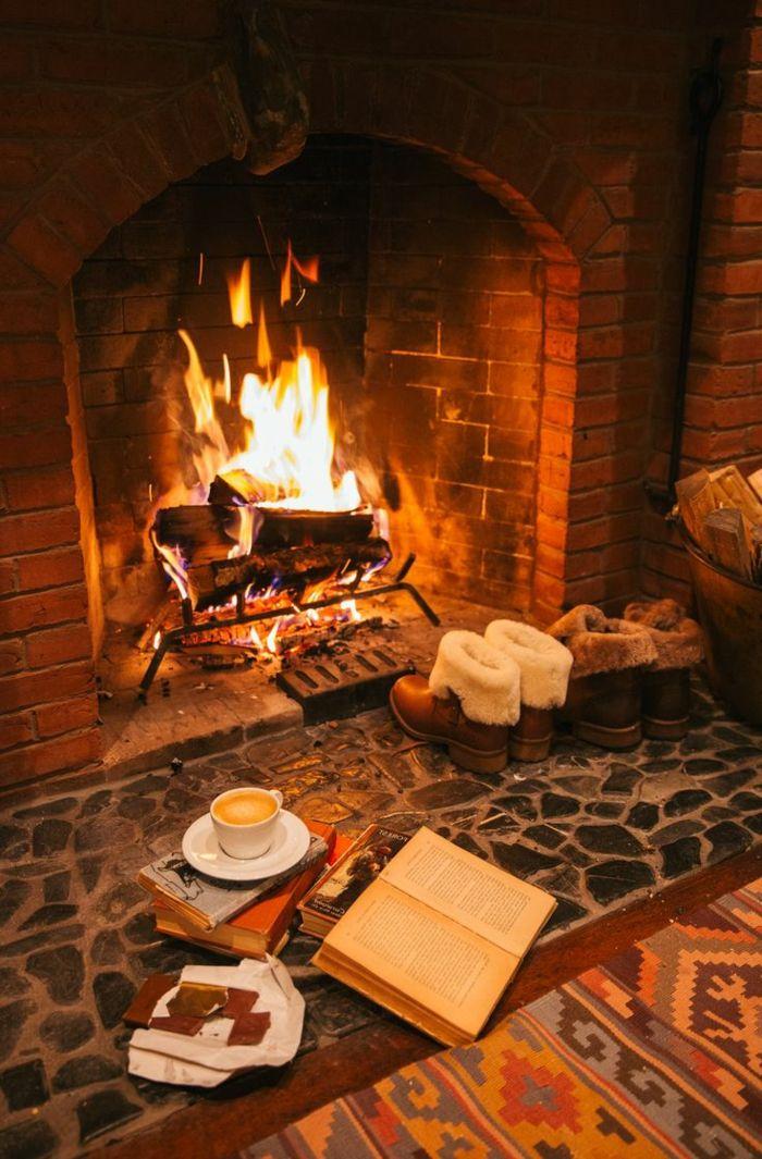 hygge wohnideen und lifestyle um dem kamin gemütlich sitzen - wohnideen und lifestyle
