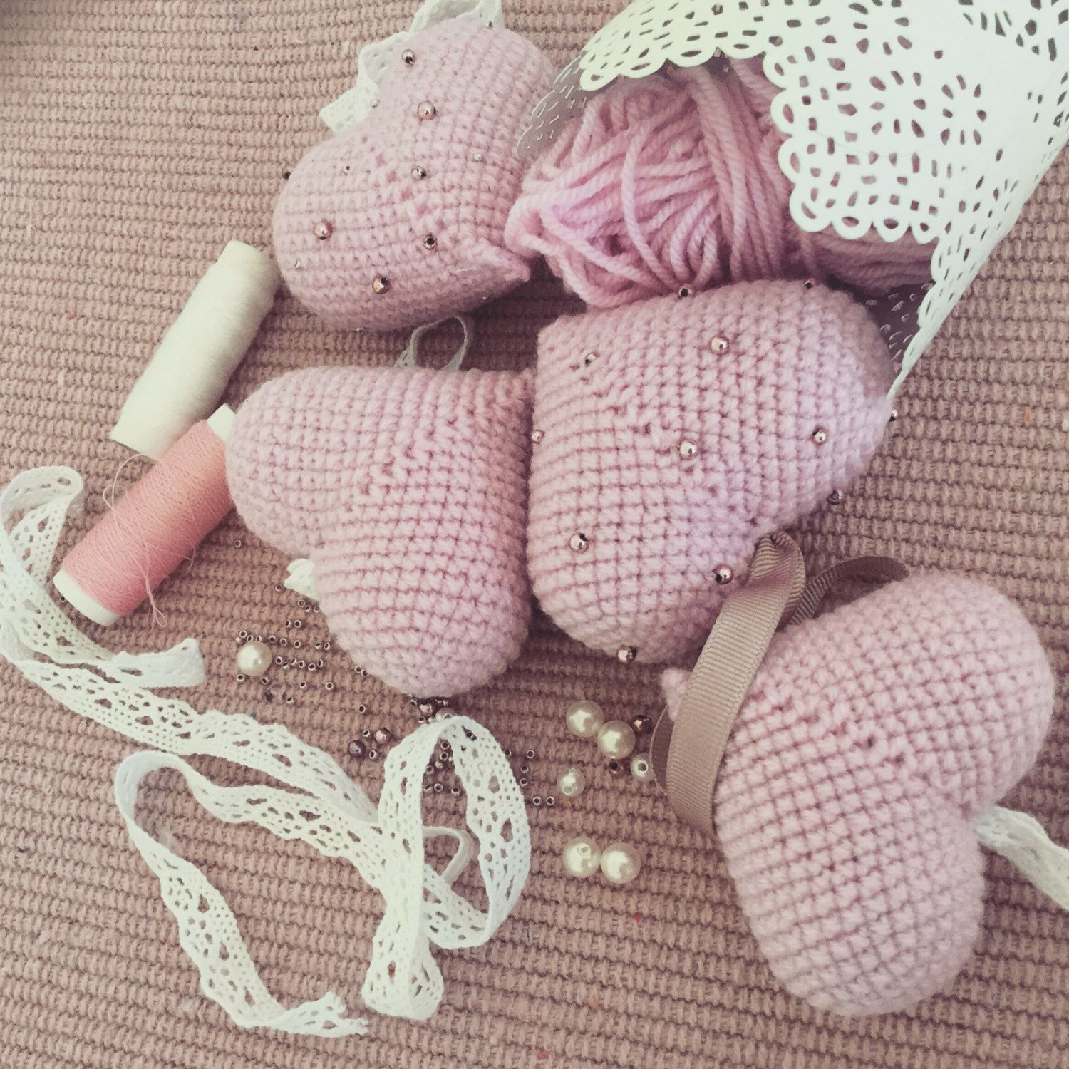 Knitted hearts by LaPetiteLavalloise on Etsy https://www.etsy.com ...