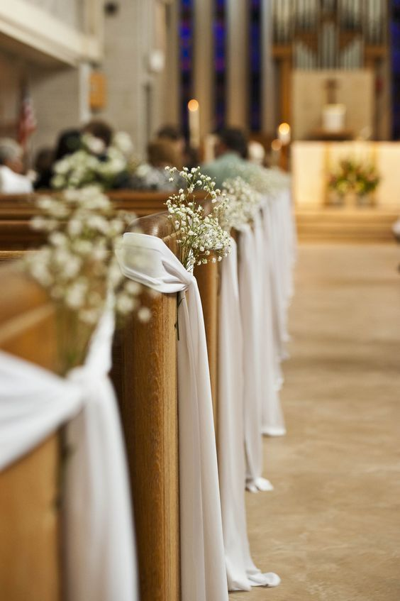 DIY Indoor Hochzeit Gang Dekorationen für die Kirche   – DIY Wedding Decorations