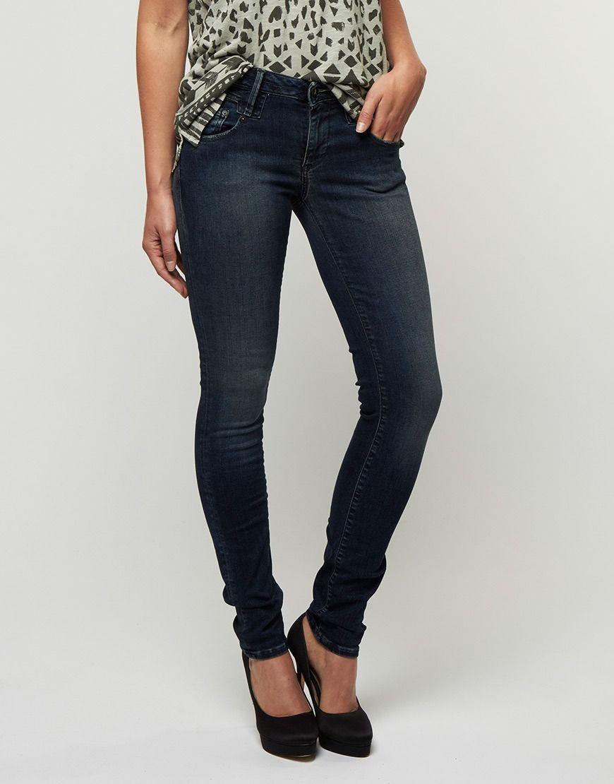Koop Jeans - Skinny SI3 Dark Denim Online op shop.brothersjeans.nl voor slechts € 155,00. Vind 66 andere Denham producten op shop.brothersjeans.nl.