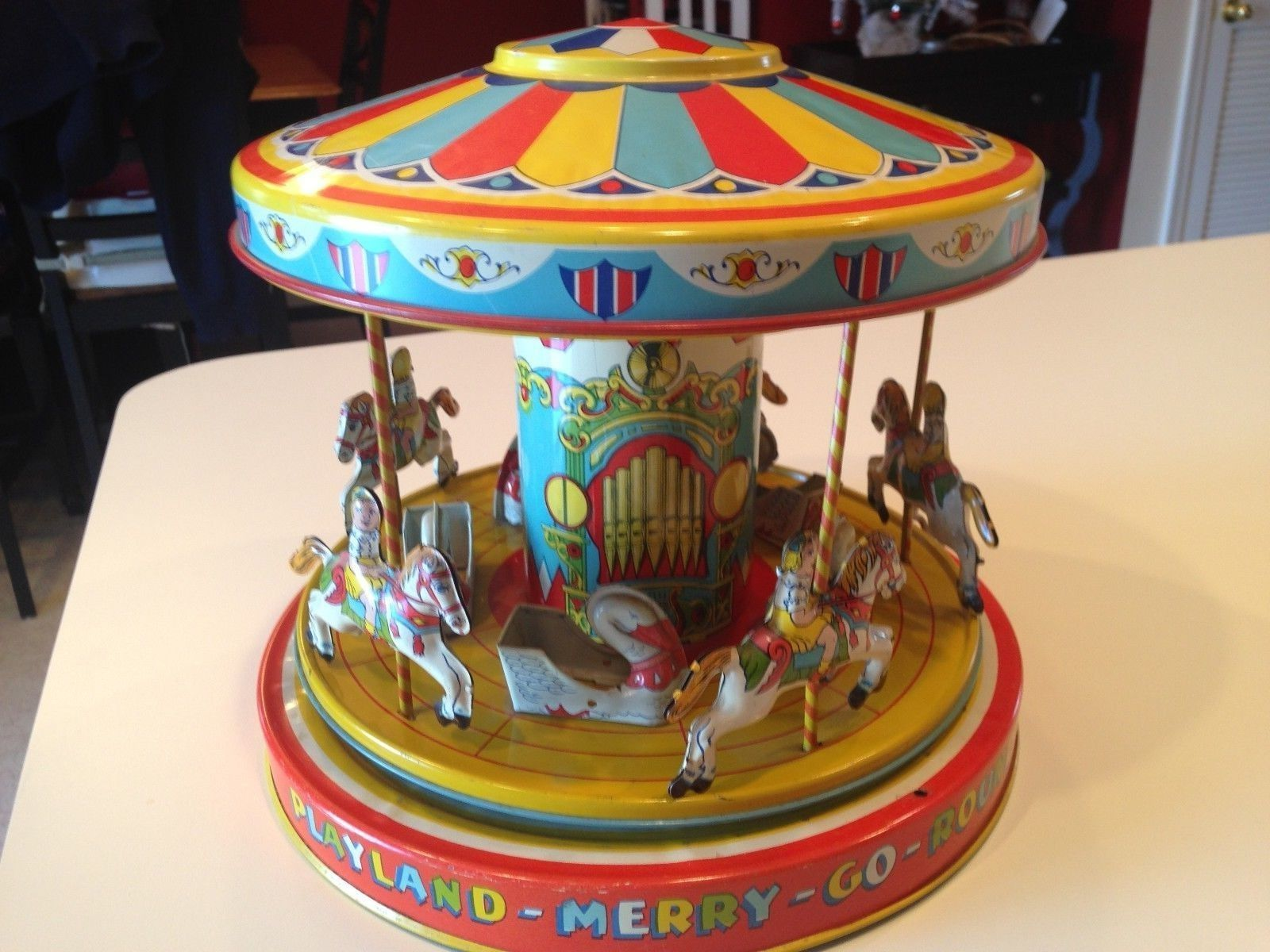 Did not vintage marx toys merry go round have
