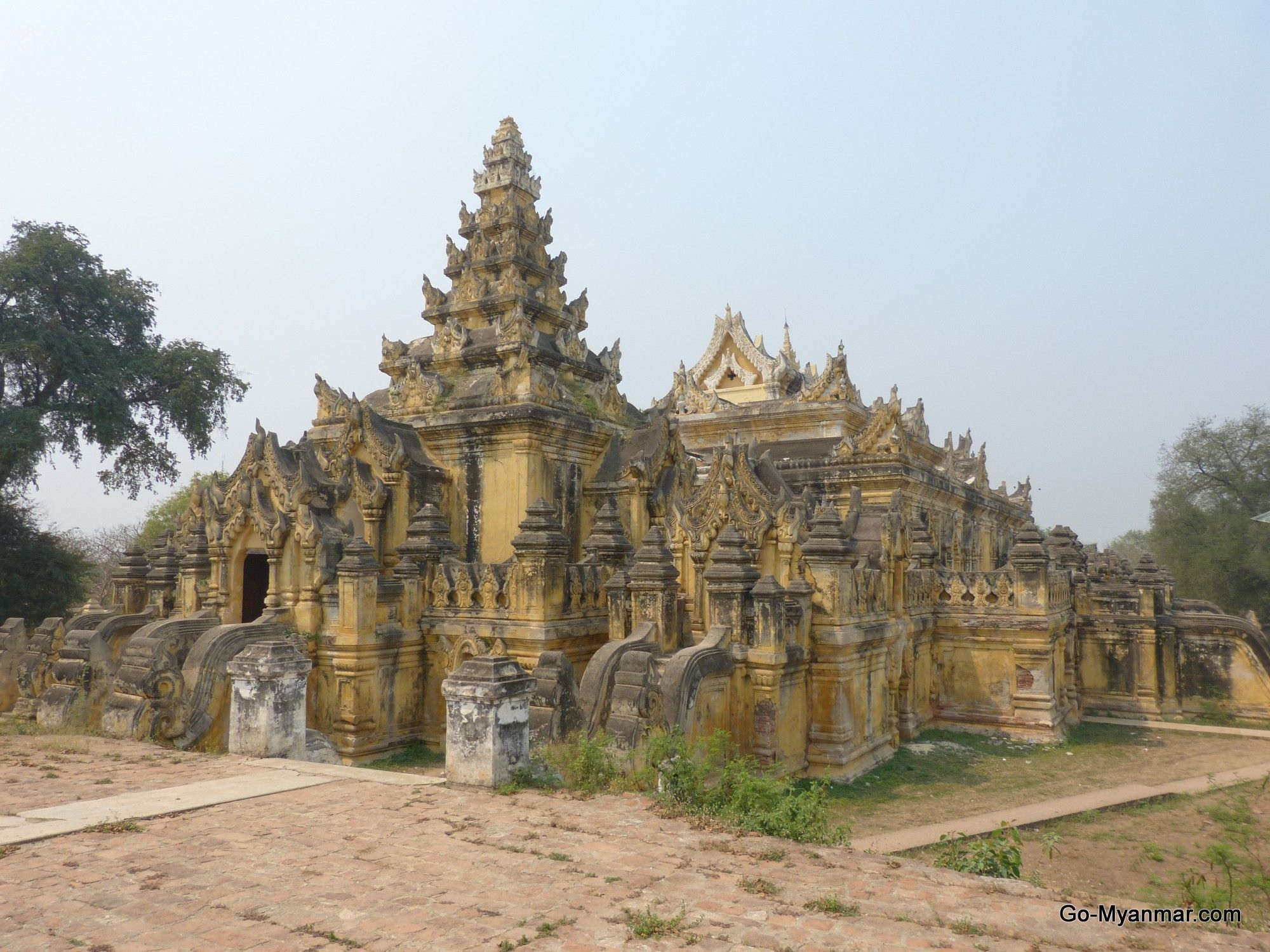 Maha aungmye bonzan monastery inwa ava myanmar burma go maha aungmye bonzan monastery inwa ava myanmar burma go thecheapjerseys Images