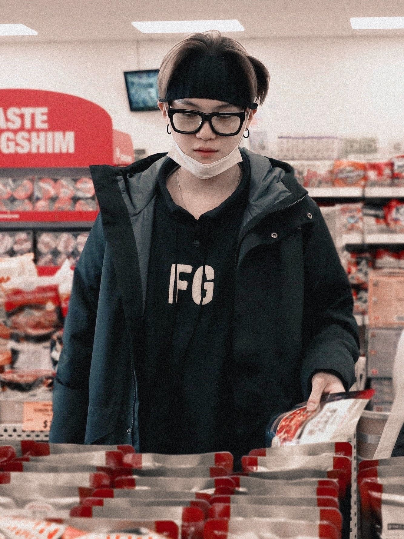 What I Want To Eat Today Em 2020 Foto Suga Meninos Bts Min Yoongi