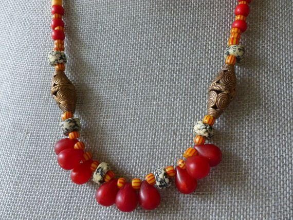 Crimson Trade Bead Necklace, Afrikanische Halskette, Ethnic Necklace, Collier Africain, Tibetan Bells, Collar de Africa, Boho Necklace